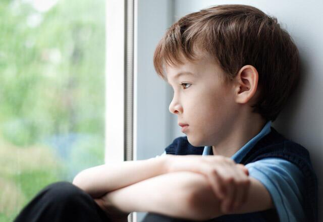 çocuk depresyonu, çocuklar neden depresyona girer, depresyondaki çocuğa yaklaşım